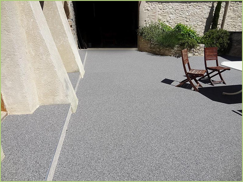Patio terrace resin color bardiglio chiaro